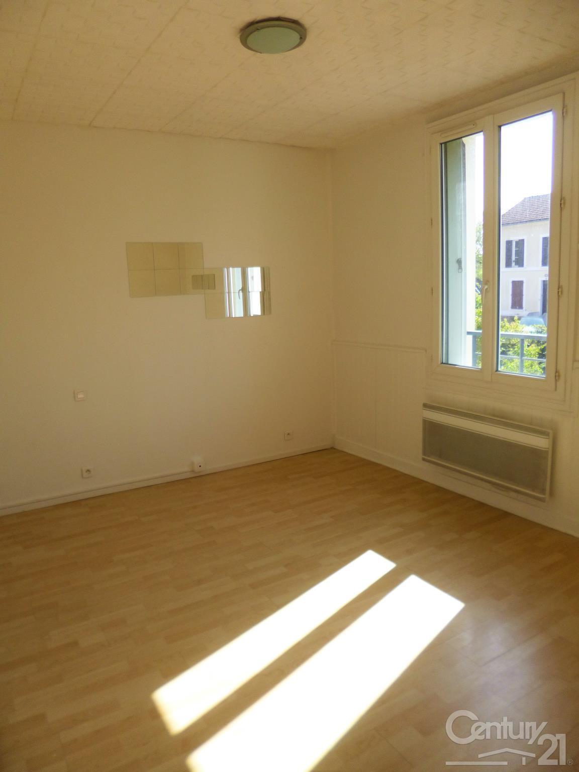 Appartement f1 louer 1 pi ce 17 m2 conflans ste for Appartement atypique a louer ile de france